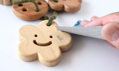 木のおもちゃのお手入れ/サンドペーパー