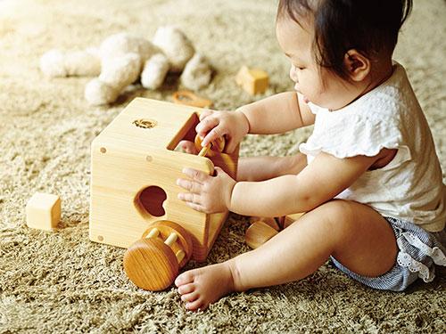 赤ちゃんの宝石箱(箱入り)/遊び例