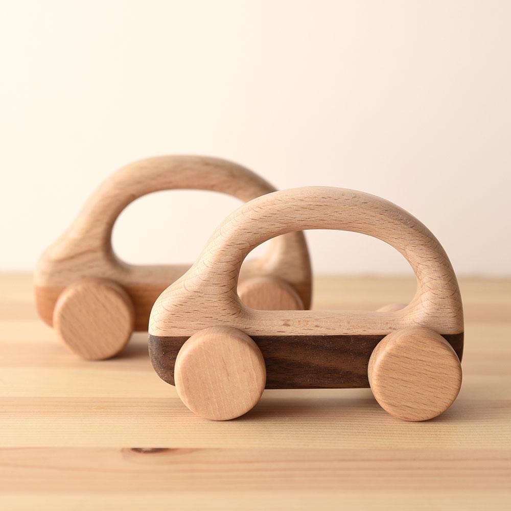 愛らしいデザインが人気|木の車 コロコロッコ/蛍木工